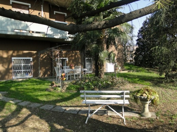 Villa in vendita a Osio Sotto, 6 locali, prezzo € 520.000 | Cambiocasa.it