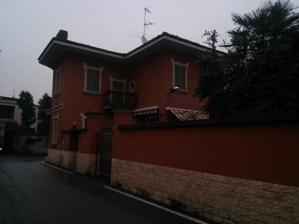 Villa in vendita a Arluno, 6 locali, prezzo € 780.000 | Cambio Casa.it