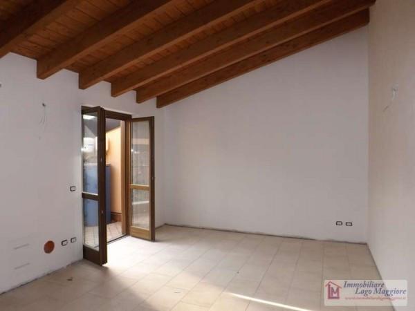 Appartamento in vendita a Leggiuno, 2 locali, prezzo € 100.000 | Cambio Casa.it