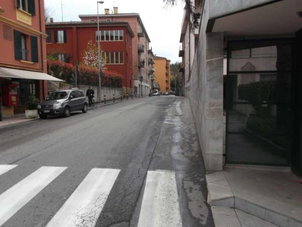 Bilocale Bologna Via San Mamolo 10