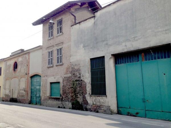 Palazzo / Stabile in vendita a Caravaggio, 9999 locali, prezzo € 400.000 | CambioCasa.it