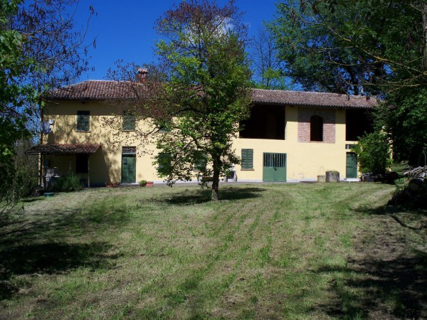Rustico / Casale in vendita a Bruno, 6 locali, prezzo € 190.000 | Cambio Casa.it