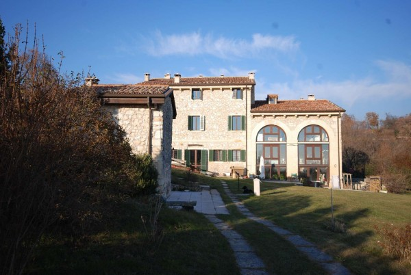 Rustico / Casale in vendita a Verona, 6 locali, zona Zona: 5 . Quinzano - Pindemonte - Ponte Crencano - Valdonega - Avesa , prezzo € 227.000 | Cambio Casa.it
