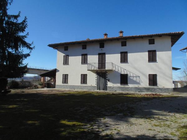 Rustico / Casale in vendita a Castagnole delle Lanze, 5 locali, prezzo € 230.000 | Cambio Casa.it