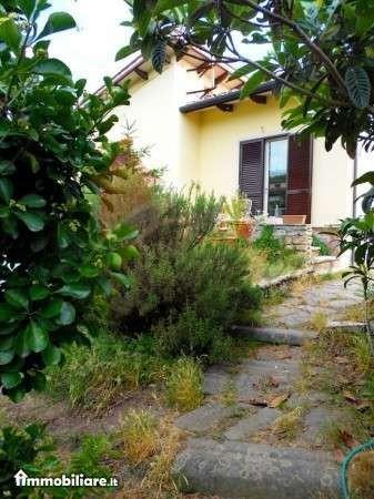 Villa in vendita a Pisa, 6 locali, prezzo € 550.000 | Cambio Casa.it