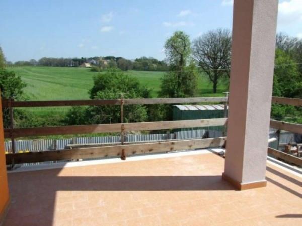Villa a Schiera in vendita a Nepi, 5 locali, prezzo € 200.000 | Cambio Casa.it