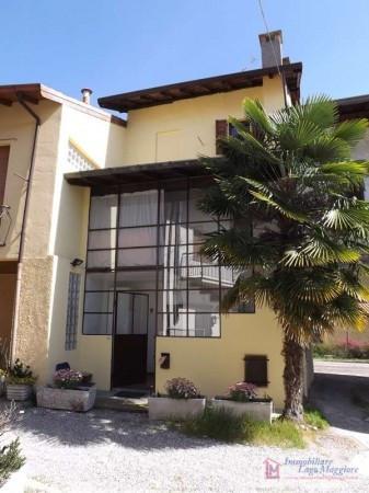 Appartamento in vendita a Taino, 3 locali, prezzo € 85.000 | Cambio Casa.it
