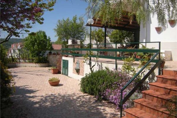 Villa a Schiera in vendita a Santi Cosma e Damiano, 4 locali, prezzo € 130.000 | Cambio Casa.it