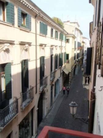 Bilocale Padova Via Manin 5