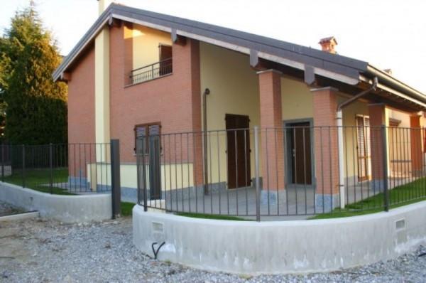 Villa in vendita a Rogeno, 4 locali, Trattative riservate | Cambio Casa.it