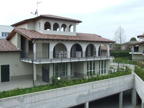 Appartamento in vendita a Peschiera del Garda, 4 locali, prezzo € 327.000 | Cambio Casa.it