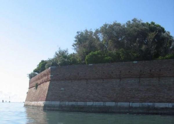 Villa in Vendita a Venezia Periferia Est: 5 locali, 455 mq