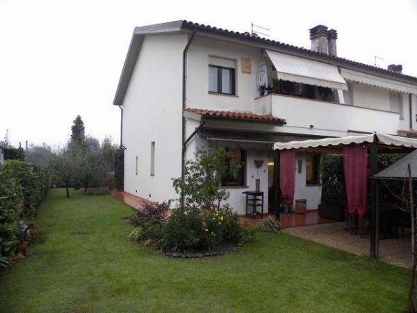 Villetta in Vendita a Capannori Periferia Est: 5 locali, 160 mq