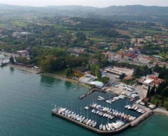 Villa in vendita a Manerba del Garda, 5 locali, prezzo € 410.000 | CambioCasa.it