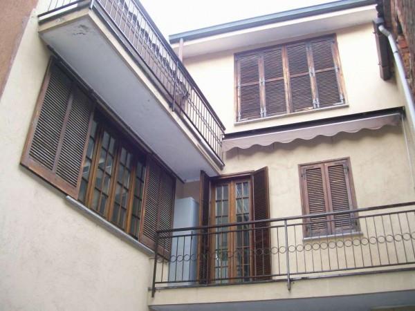 Soluzione Indipendente in vendita a Cerano, 5 locali, prezzo € 158.000 | Cambio Casa.it