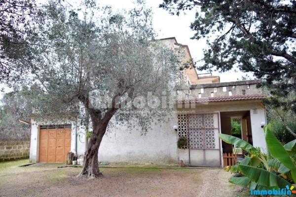 Villa in vendita a Oria, 6 locali, prezzo € 130.000 | Cambio Casa.it