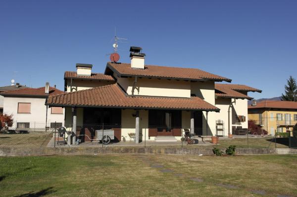 Villa in vendita a Besozzo, 4 locali, prezzo € 298.000 | Cambio Casa.it