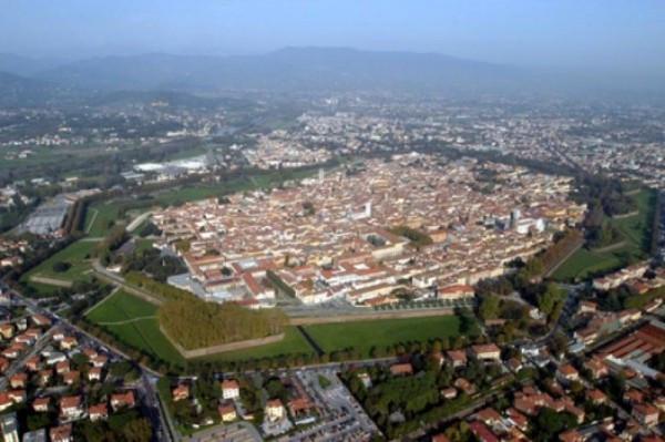 Bilocale Lucca Viale San Gemignano 9