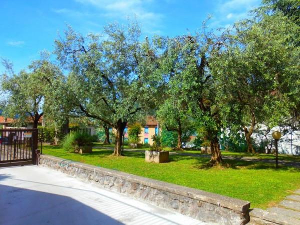 Appartamento in vendita a Sale Marasino, 3 locali, prezzo € 130.000   Cambio Casa.it