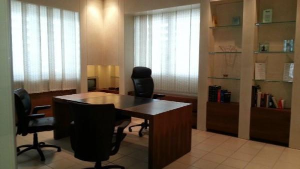 Ufficio / Studio in vendita a Firenze, 6 locali, zona Zona: 2 . Piana di Castello, Pistoiese, prezzo € 400.000 | Cambiocasa.it