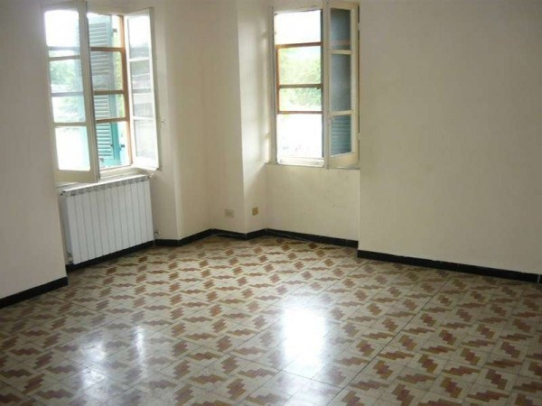 Bilocale Sarzana Via Aurelia 3