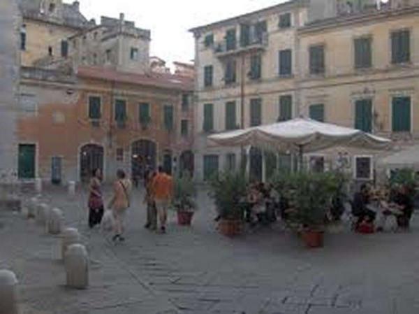 Bilocale Sarzana Via Aurelia 8