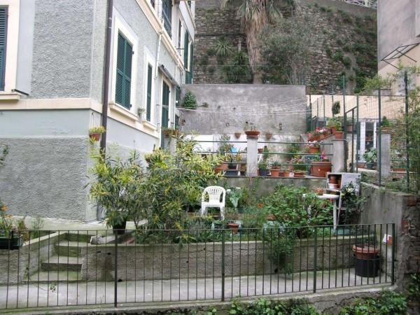 Bilocale Genova Via Dei Cinque Santi 8