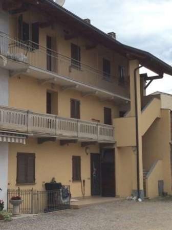Appartamento in vendita a Fontaneto d'Agogna, 3 locali, prezzo € 67.000 | Cambio Casa.it