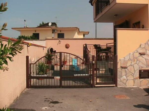 Villa a Schiera in vendita a Acerra, 5 locali, prezzo € 190.000   Cambiocasa.it