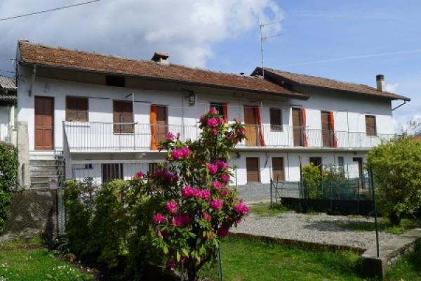 Casa indipendente in Vendita a Cambiasca Centro: 5 locali, 200 mq