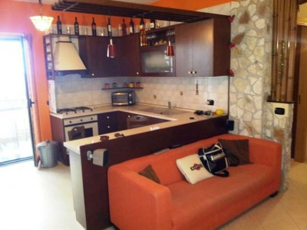 Appartamento in vendita a Acerra, 2 locali, prezzo € 70.000 | Cambiocasa.it