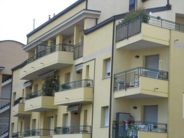 Appartamento in vendita a Villa Guardia, 4 locali, prezzo € 175.000   Cambio Casa.it