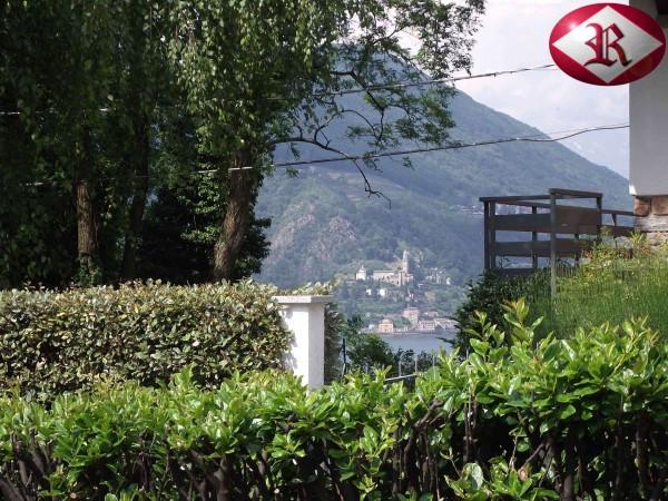 Villa in vendita a Porto Ceresio, 4 locali, prezzo € 330.000 | Cambio Casa.it