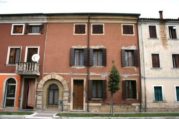 Villa in vendita a Minerbe, 6 locali, prezzo € 95.000   Cambio Casa.it