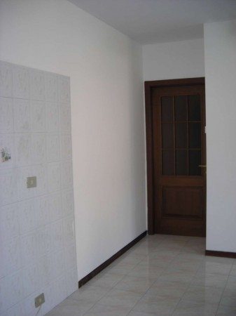 Appartamento in vendita a Fara Gera d'Adda, 3 locali, prezzo € 99.000 | Cambio Casa.it