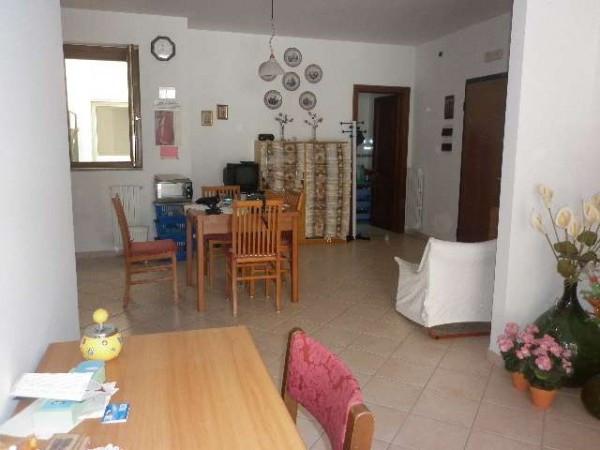 Appartamento in vendita a Mercato San Severino, 3 locali, prezzo € 149.000 | Cambio Casa.it
