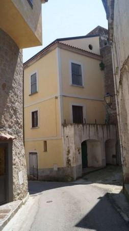 Palazzo / Stabile in vendita a Ruviano, 6 locali, prezzo € 105.000 | CambioCasa.it