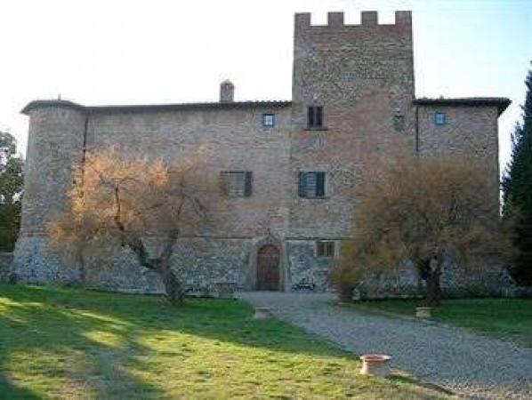 Palazzo / Stabile in vendita a Certaldo, 6 locali, Trattative riservate | CambioCasa.it