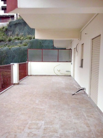 Appartamento in vendita a Messina, 3 locali, prezzo € 138.000 | Cambio Casa.it