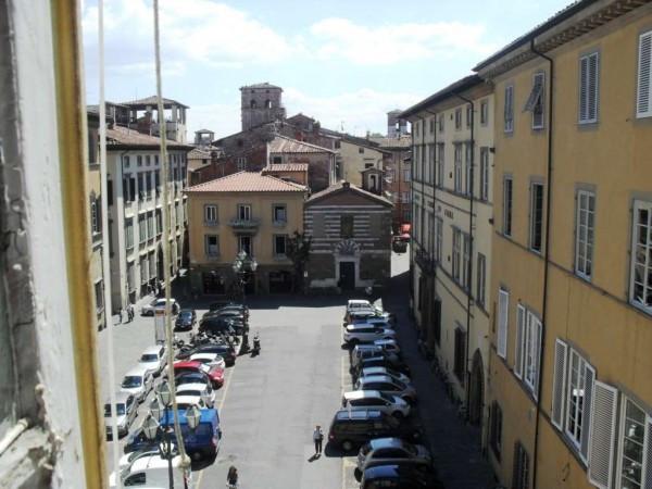 Bilocale Lucca Via Santa Croce 2