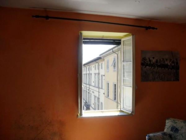 Bilocale Lucca Via Santa Croce 7