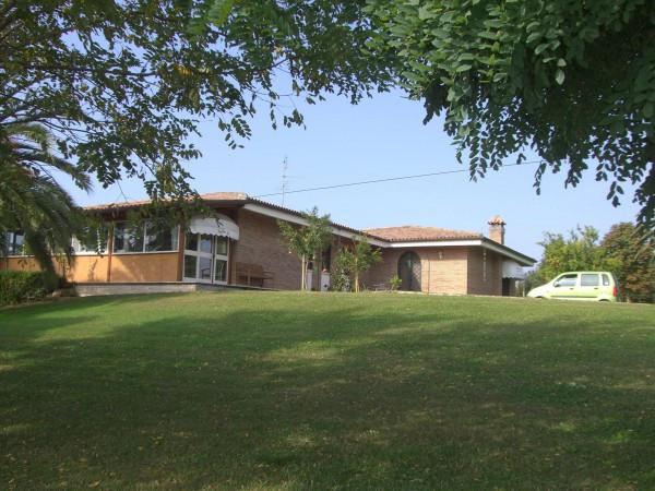 Villa in vendita a Latina, 6 locali, Trattative riservate | Cambio Casa.it