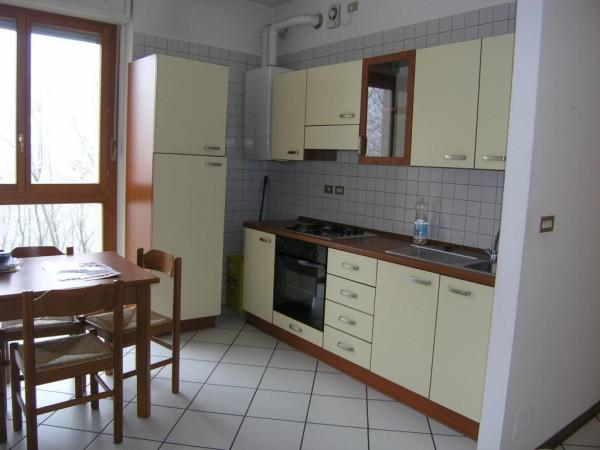 Bilocale Asti Via Desderi 4