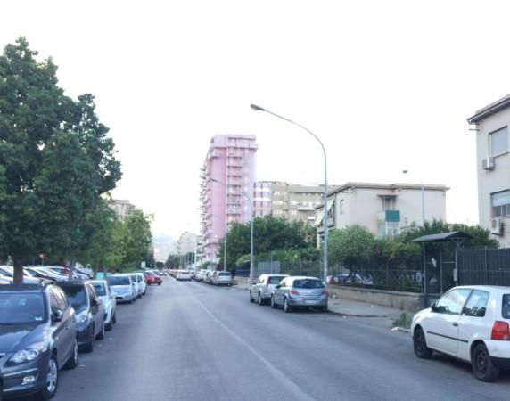 Appartamento in Vendita a Palermo Semicentro: 3 locali, 90 mq