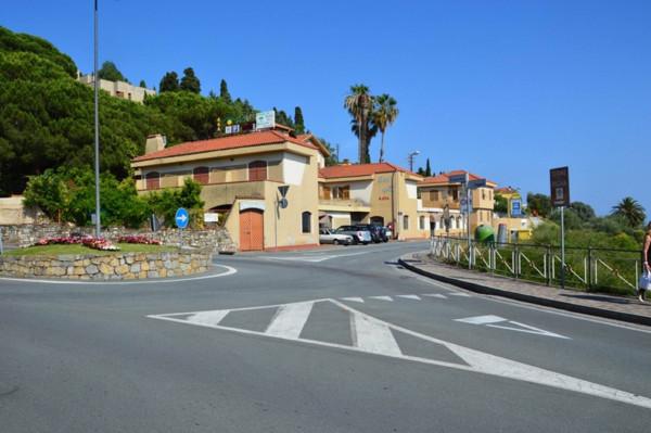 Albergo in vendita a Bordighera, 6 locali, prezzo € 2.000.000 | Cambio Casa.it