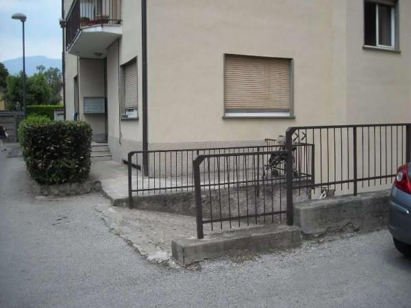 Bilocale Oggiono Via Ai Campi 2