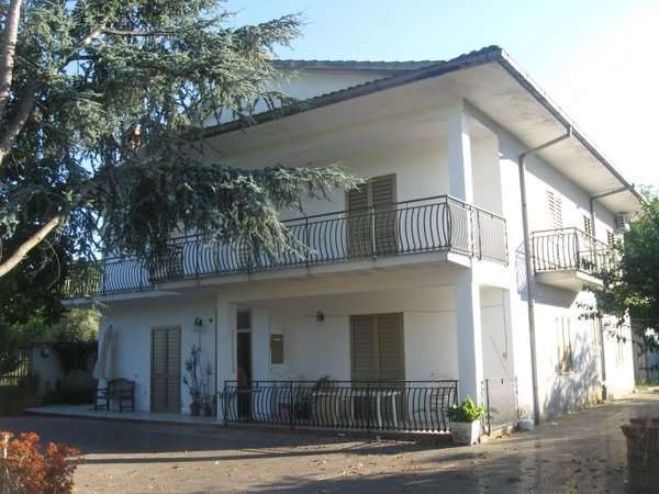 Villa in vendita a Alvignano, 6 locali, prezzo € 320.000 | Cambio Casa.it
