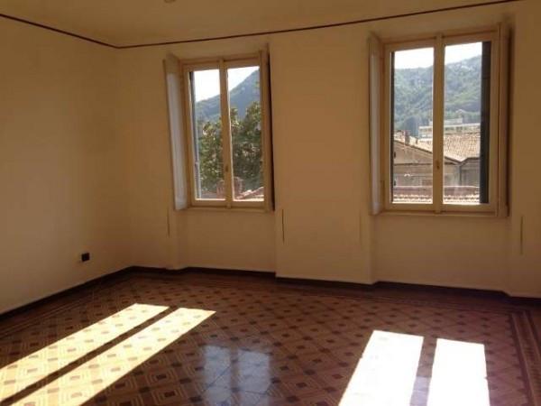 Appartamento in affitto a Como, 3 locali, zona Zona: 5 . Borghi, prezzo € 950 | Cambio Casa.it
