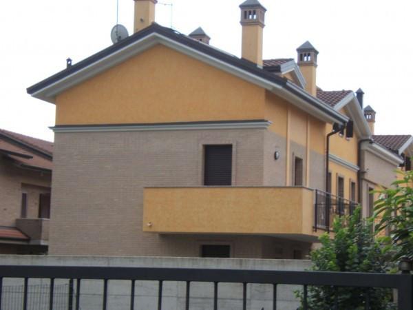 Villa in vendita a Muggiò, 4 locali, prezzo € 494.000 | Cambiocasa.it