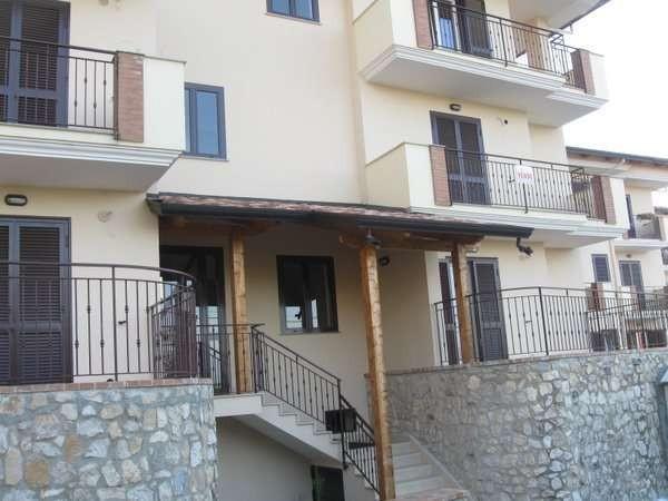 Appartamento in vendita a Alvignano, 3 locali, prezzo € 115.000 | Cambio Casa.it